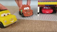 Kinderfilm - Disney Cars Toys - Lightning McQueens Garage